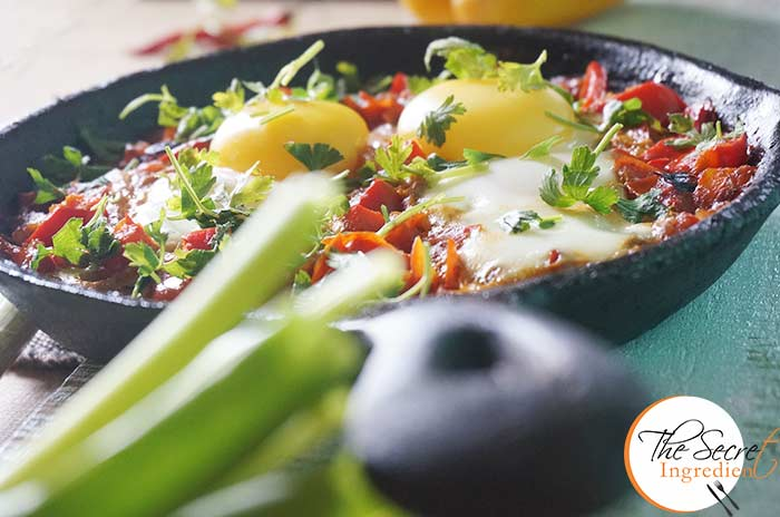 Shakshouka (Israeli Eggs With Tomatoes & Peppers) Recipe — Dishmaps
