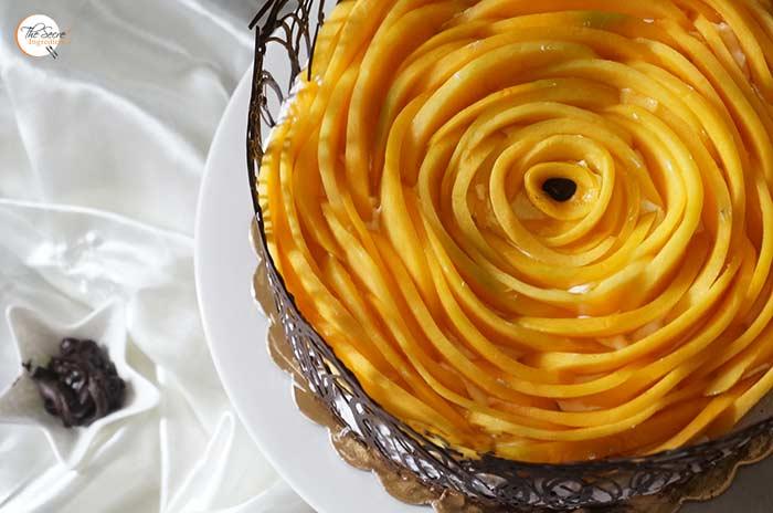 Mango Vanilla Cake   Fresh Mango Cake with Vanilla and Chocolate Collar