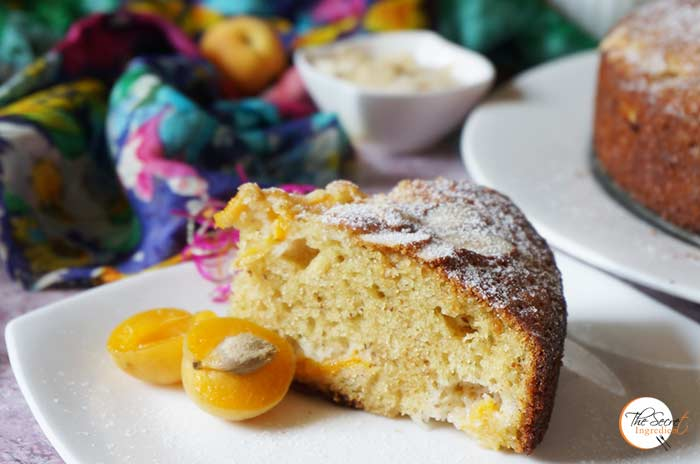 Fresh Apricot and Almond Cake