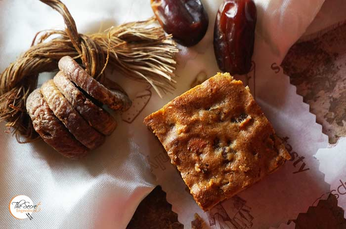 Honey Dates Square - Historic Recipe   Vintage Honey Figs and Date Cake Squares Recipe with Gluten Free Flour