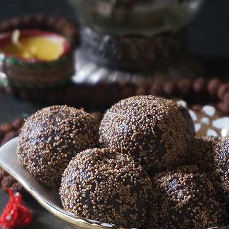 Ragi & Khus Khus Ladoos Recipe | Healthy Finger Millet and Poppy Seeds Energy Bites